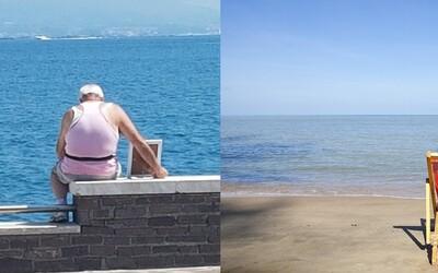 Vdovec chodí každé ráno na pláž s fotkou zesnulé manželky, aby si mohla znovu užít oblíbený výhled