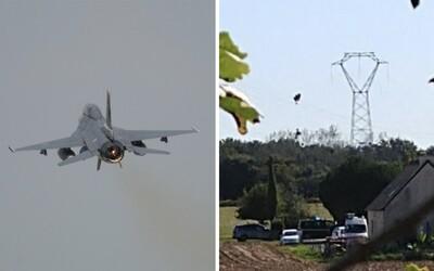 Ve Francii se zřítila belgická stíhačka F-16. Pilot zůstal zavěšený na drátech elektrického vedení