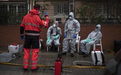 Ve Španělsku má koronavirus přes 12 300 zdravotníků, což je přibližně 14 % ze všech nakažených v zemi