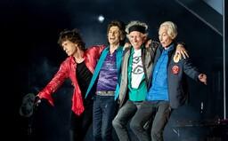 Ve věku 80 let zemřel bubeník Rolling Stones Charlie Watts