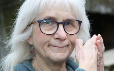 Vedci objavili 71-ročnú starenku, ktorá kvôli mutácii necíti bolesť. Že má ruku v ohni, si uvedomila až vďaka pachu spáleniny