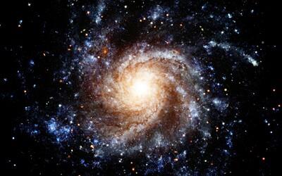 Vědci objevili momentálně nejvzdálenější galaxii v našem vesmíru. Extrémně září a možná už ani neexistuje