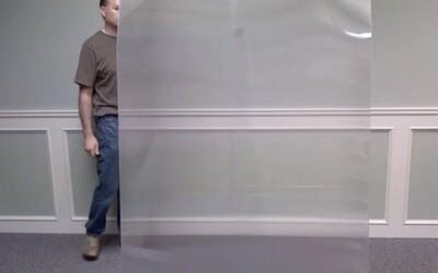 Vedci odhalili plášť neviditeľnosti. Osoba stojaca za špeciálnym materiálom sa stane nepozorovateľná