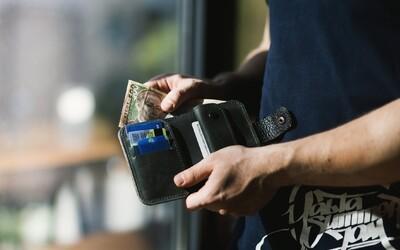 Vědci před lidi hodili 17 000 peněženek a sledovali, zda je vrátí. Výsledky vyvrátily všechny předpoklady