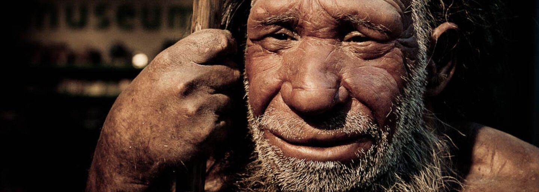 Vědci strávili několik let napodobováním neandrtálců. Ve španělských jeskyních lovili ptáky holýma rukama
