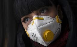 """Vedci vyvíjajú masku, ktorá bude na nakazenom pacientovi """"svietiť"""". Nahradila by tak doterajšie testy na koronavírus"""