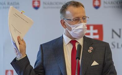 Vedúci diplomovky Borisa Kollára si myslí, že práca je v poriadku: Strany nie sú odkopírované, tvrdí