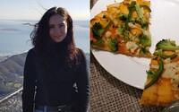 Vegáni chceli pizzu, tak reštaurácia musela improvizovať. Nahádzala na ňu mrazenú zeleninu a zabáva celý internet