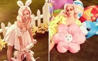 Velikonoce v podání Miley Cyrus jsou pořádně odvážné. V sérii provokativních fotek si zpěvačka užívá prosluněné jaro