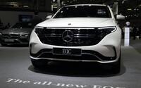 Velká Británie řidičům přispěje až 180 000 korun, pokud dají své benzinové auto do šrotu a nahradí ho elektrickým