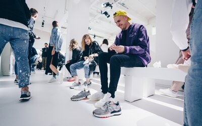"Veľkolepý návrat ku klasike: adidas vzdal v Paríži hold ikonickým siluetám. ""Je to čistý antihype,"" hovorí Gleb"