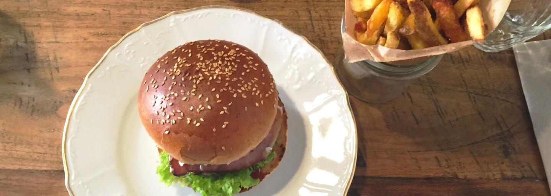 Velký test pražských burgráren – kam zajít na ten nejlepší burger?