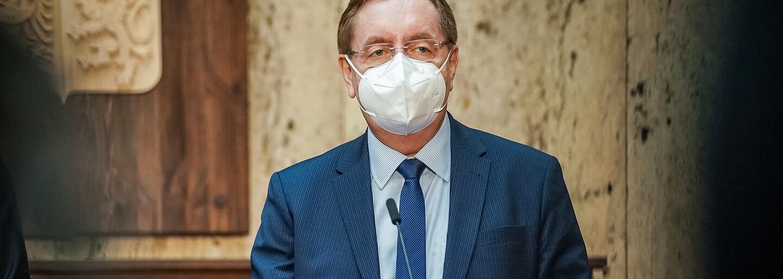 Venku i uvnitř jen 2 osoby, navrhne nový ministr zdravotnictví