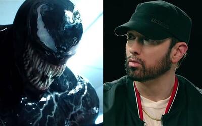Venom bude pre deti, veľa krvi vo filme teda neuvidíme. Komiksovka aspoň potešila akčnou upútavkou s Eminemovým rapom