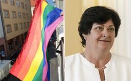 Verejná ochrankyňa práv vyvesila dúhovú vlajku. Vyjadruje svoju podporu Pridu