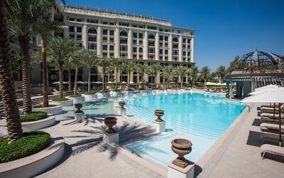 Versace otvára v Dubaji superluxusný hotel s velikánskou mramorovou vstupnou halou