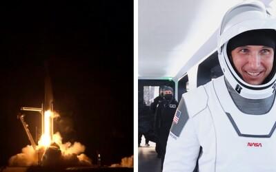 Vesmírná loď společnosti SpaceX se čtyřčlennou posádkou odstartovala k ISS