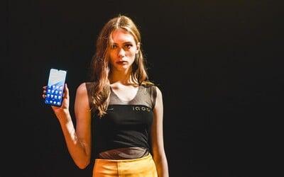 Viac ako polovica dievčat sa na internete stretáva s obťažovaním. Najhoršie je na tom Facebook