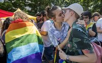 Viac než polovica Slovákov podporuje životné partnerstvá bez ohľadu na pohlavie