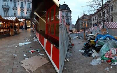Vianočné trhy v Bratislave skončili, ale odpad na druhý deň zostal