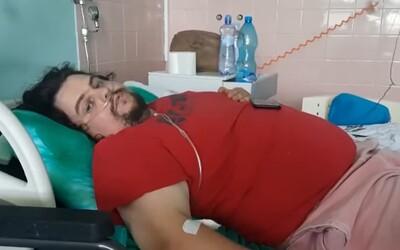 VIDEO: 29-ročný Tibor napojený na kyslík dnes ľutuje, že sa nedal zaočkovať. Vyzýva všetkých, aby tak urobili