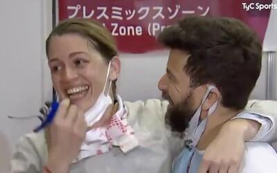 VIDEO: Argentínska šermiarka síce na OH vypadla, ale bude sa vydávať. Tréner ju v priamom prenose požiadal o ruku