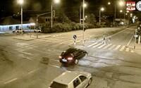 VIDEO: Hrozivá nehoda v Brně. Řidič v plné rychlosti srazil dívku na přechodu