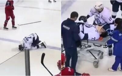 VIDEO: Iba 19-ročný hokejista zomrel po zásahu pukom do hlavy. Kapitán Dinamo Petrohrad bojoval o život tri dni