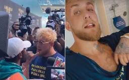 VIDEO: Jake Paul dostal pěstí, protože ukradl Floydu Mayweatherovi jeho čepici