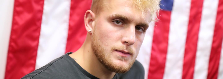 VIDEO: Jake Paul dostal päsťou, lebo ukradol Floydovi Mayweatherovi jeho čapicu