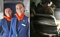VIDEO: Letušky chytal za prsia a kričal, že je milionár. Pasažiera zviazali lepiacou páskou