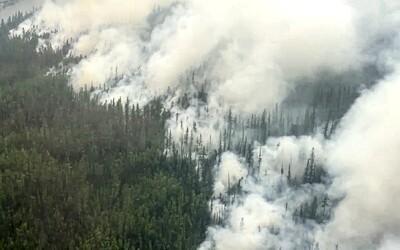 VIDEO: Najchladnejšia časť Ruska je stále v plameňoch, na Sibíri sa nedá ani dýchať