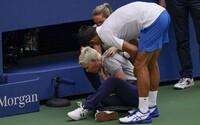 VIDEO: Novaka Djokoviča diskvalifikovali z US Open, nahnevaný trafil loptičkou do krku čiarovú rozhodkyňu