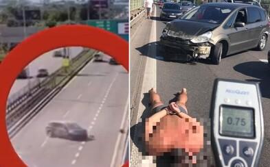 Video: Opitý Slovák nabúral s tromi deťmi v aute. K policajtom sa správal agresívne, a tak ho spacifikovali