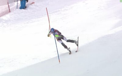 VIDEO: Petra Vlhová výrazne chybovala v prvom kole, ustála však moment jazdy na jednej lyži