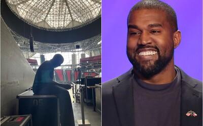 VIDEO: Počúvaj prvé ukážky z albumu Kanyeho Westa, ktorý venoval svojej zosnulej matke. Nechýbajú Jay-Z a Travis Scott