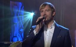 VIDEO: Podívej se, jak Adam Vojtěch zazpíval v Show Jana Krause