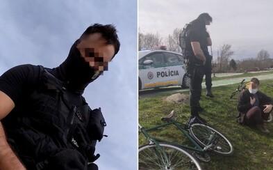 VIDEO: Policisté se vysmáli Jakubovi, který upozornil na muže bez roušky. Jeho kamaráda označili vulgárním výrazem