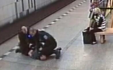VIDEO: Policisté zpacifikovali v metru muže bez roušky