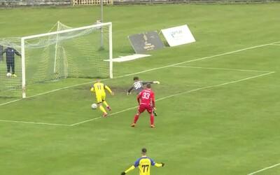 VIDEO: Pri kurióznom košickom góle zaváhali dvaja hráči aj brankár, Slováci sa bavia na chybe v Slovnaft Cupe
