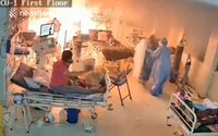 Video: Pri pacientoch s koronavírusom vybuchol pľúcny ventilátor. Zdravotníci ich museli rýchlo evakuovať