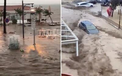 VIDEO: Španielsko je po búrke pod vodou, tisícky domácností zostali bez elektriny. Môže za to klimatická zmena, tvrdí štúdia