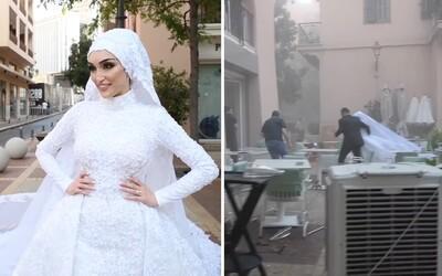 VIDEO: Svatební focení a úsměvy šťastné nevěsty přerušil výbuch. Takto zachytil explozi v Bejrútu svatební fotograf