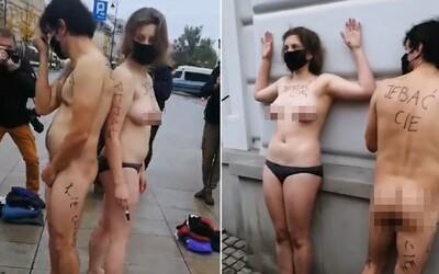 VIDEO: Svlékli se donaha a pokryli se nechutnými nadávkami, aby v Polsku zabojovali proti zákazu potratů