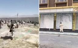 VIDEO: Tálibán si přivlastňuje Afghánistán. Vězně pouští na svobodu, v Kábulu už lidé odstraňují ženy z reklamních ploch