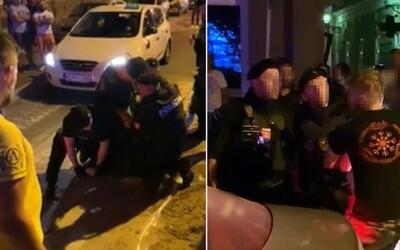 VIDEO: Úderu policajta do hlavy mladíka predchádzali extrémistické prejavy aj vyhrážky fyzickým útokom, objasňuje polícia