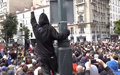 VIDEO: Vyše 200 000 Francúzov protestovalo proti opatreniam, ktoré majú chrániť ľudí pred koronavírusom