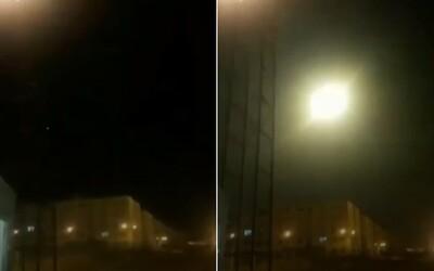 Video zachycuje zasažení ukrajinského letadla raketou
