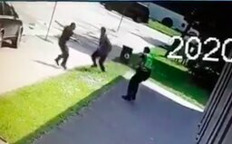 VIDEO: Zveřejnili záznam, který zachycuje, jak dva mladí policisté zpacifikovali útočníka z Vrútek