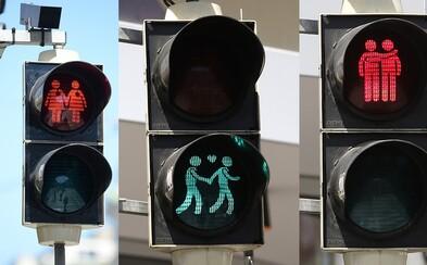 Viedeň v rámci podpory homosexuálnych partnerstiev upravila svoje semafory pre chodcov trefnými postavičkami